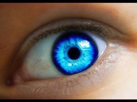 20 Saniye İçerisinde Göz Rengini Maviye Çevirmenin En Kolay Yolu…!